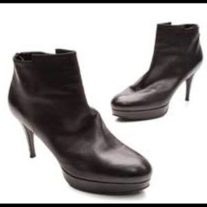 Stuart Weitzman brown butter ankle bootie